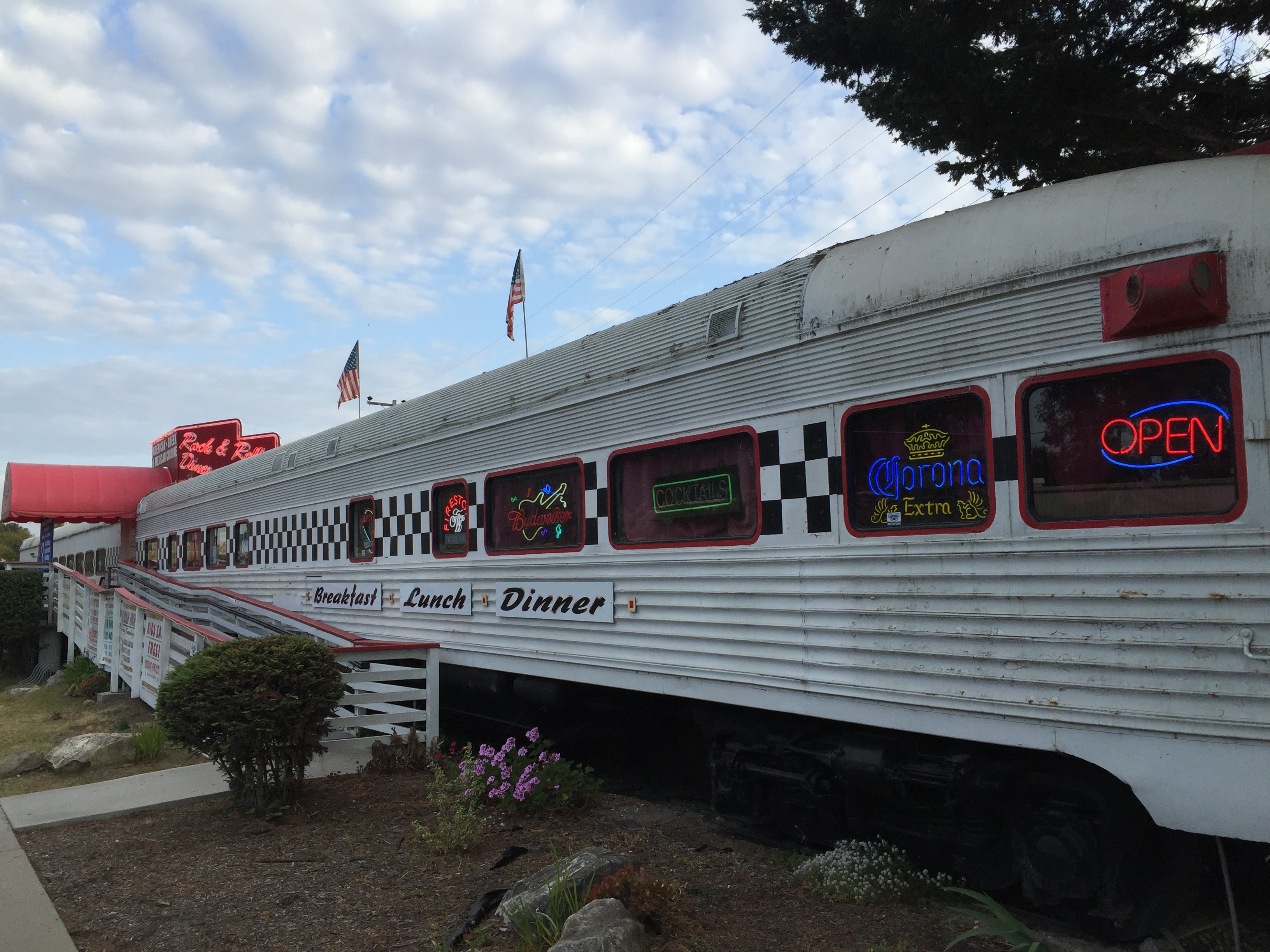 Rock & Roll Diner in Pismo Beach