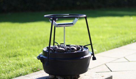 Das perfekte Dutch Oven Zubehör - Der pro-ft Deckelhalter