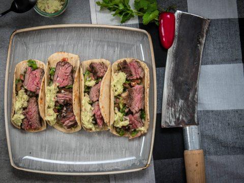 Flap Meat Tacos mit Salsa und Guacamole