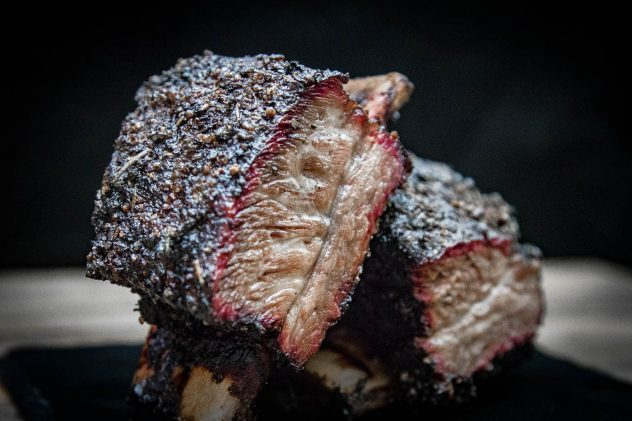 US Shortribs vom Grill & Smoker