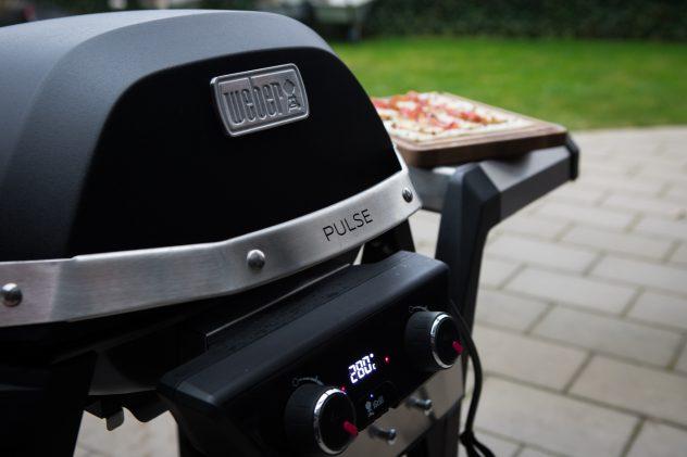 Weber Elektrogrill Mit Pizzastein : Flammkuchen vom weber pulse bbqlicate grill bbq