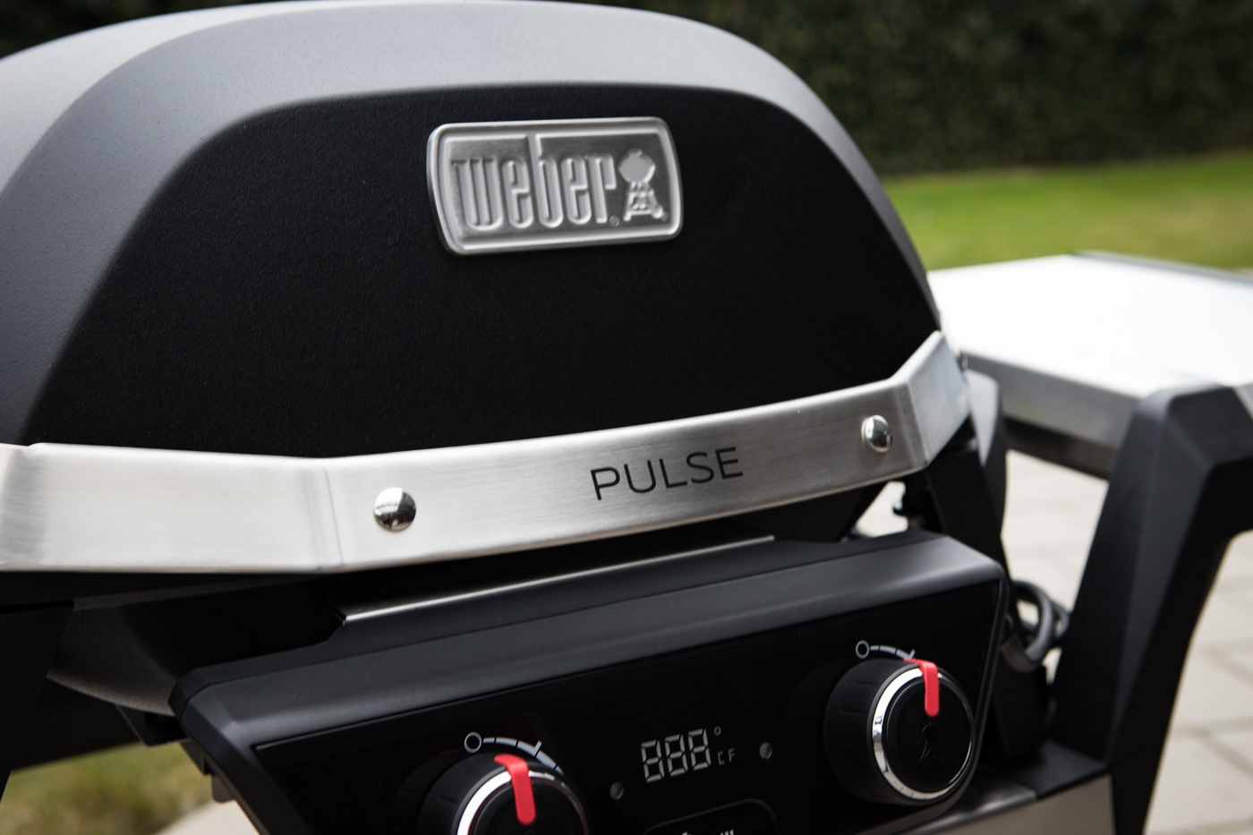vorstellung weber pulse 2000 elektrogrill bbqlicate grill bbq blog. Black Bedroom Furniture Sets. Home Design Ideas